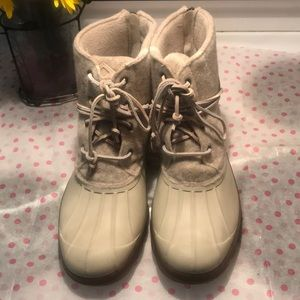 Never worn Sperry cream boots size 10